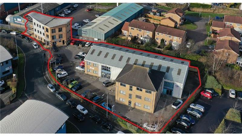 High quality multi-let office & cafe investment op