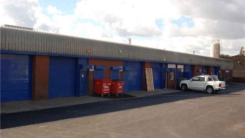 To Let - Modern Starter Industrial Unit in Ashton