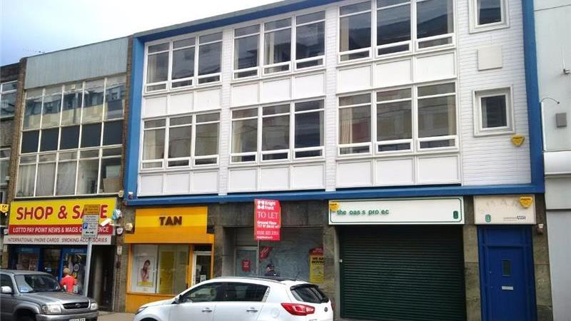 To Let - Retail Unit With Offices Above in Gateshe