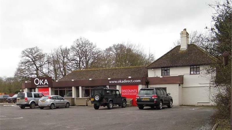 To Let - Roadside Retail Unit in Surrey