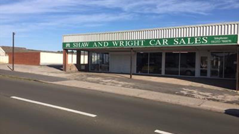 Prominent Showroom To Let