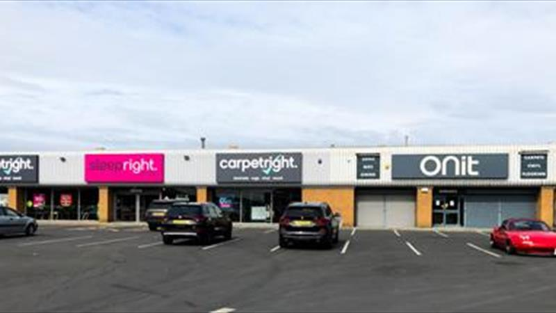 Prominent Retail Warehouse To Let