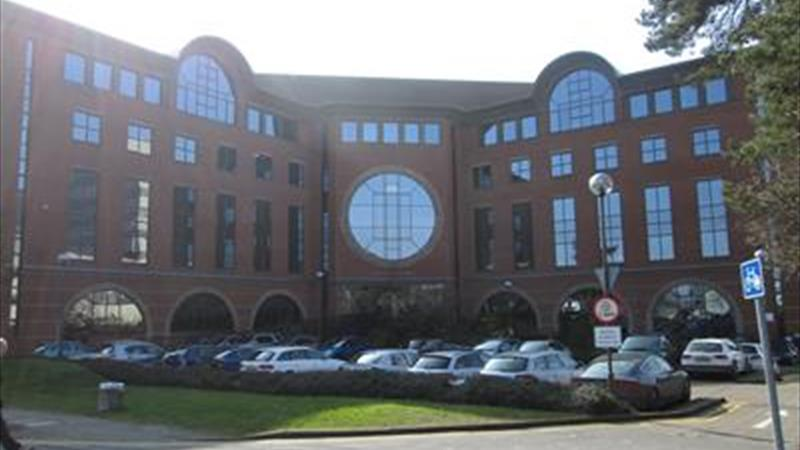 Second Floor Office Suites Close To Town Centre