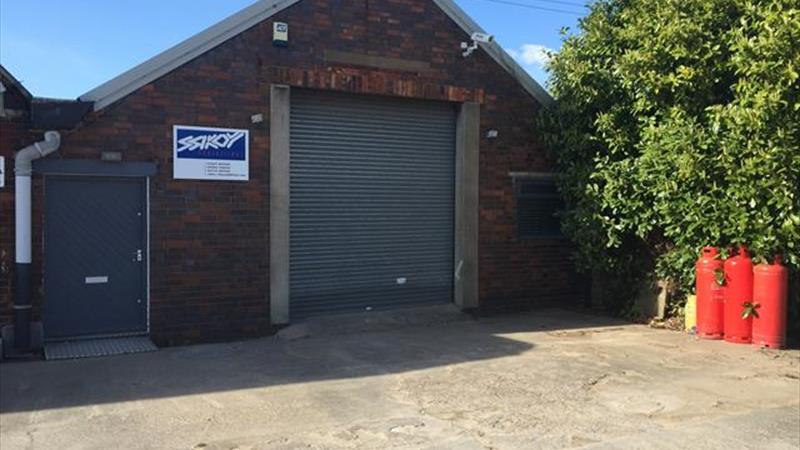 Light Industrial Unit With Office