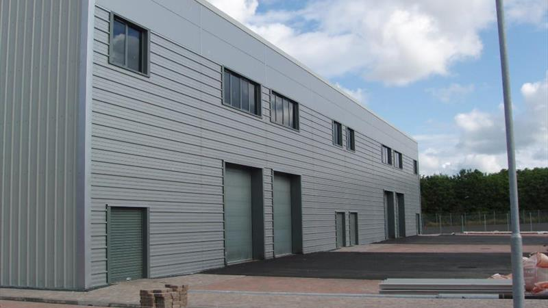 Modern Commercial/Industrial Centre To Let