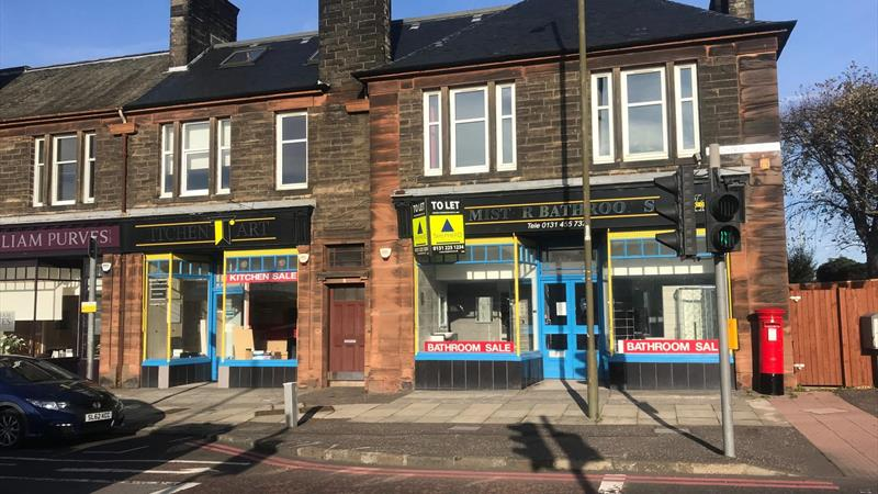Prominent Retail Unit To Let