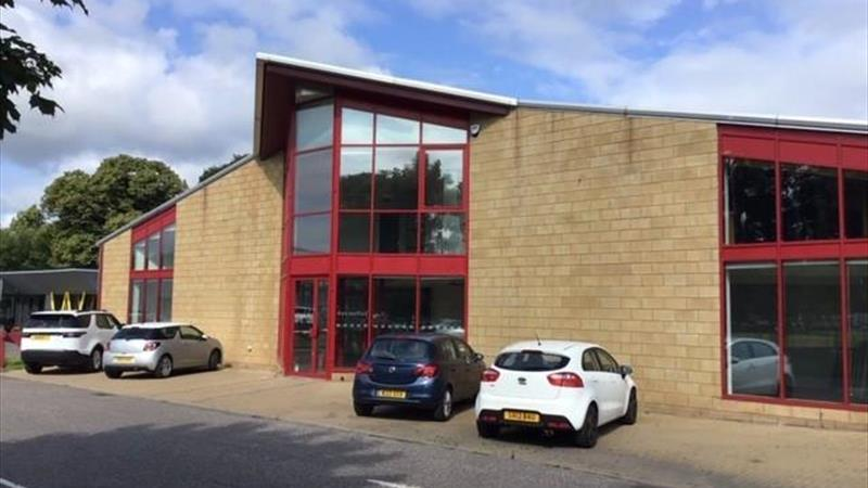 Office/Showroom Premises Prominently Located