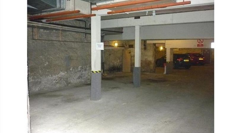 2 Secure Garage Parking Spaces to Let