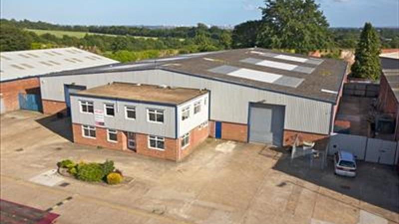 Industrial Unit With Yard To Let